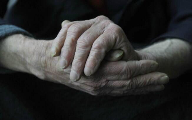 Estudo americano observou quais são os primeiros sinais  do Alzheimer
