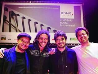 Premiados. Os músicos Sérgio Danilo, Samy Erick, Marcus Abjaud e Fabrício Conde na premiação