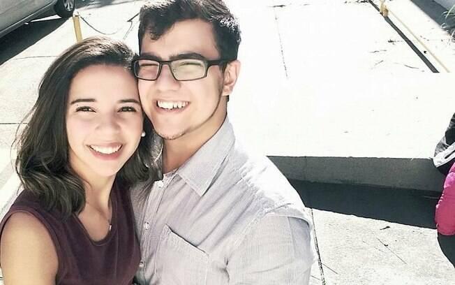 Em um namoro cristão, o casal paulistano Rebeca e Levi sonha com o casamento, programado para acontecer em 2019