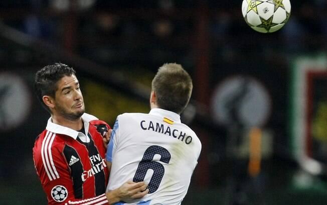 Milan aceitou proposta do PSG por Pato no  início de 2012, mas atacante não aceitou a  transferência