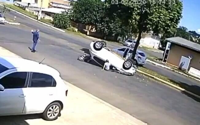 O acidente ocorreu no bairro Presidente Médici em Chapecó (SC)