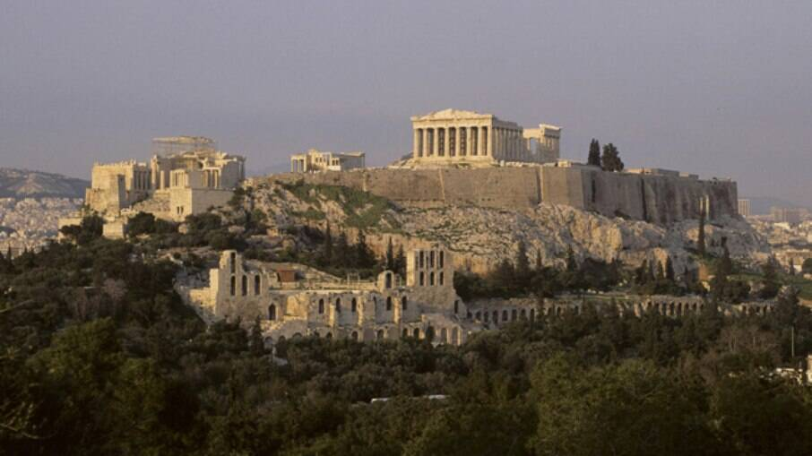 Para chegar em Mykonos, você pode sair de Atenas ou ir por um voo direto