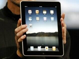 Steve Jobs apresentando o iPad