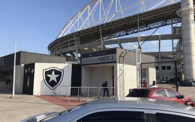 Agnaldo Timóteo dará nome a calçadão do Estádio Nilton Santos