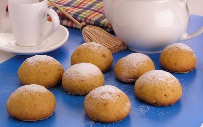 Broa de fubá com amendoim simples e deliciosa