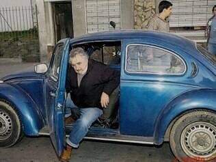 José Pepe Mujica usa um velho Fusca Azul para se transportar