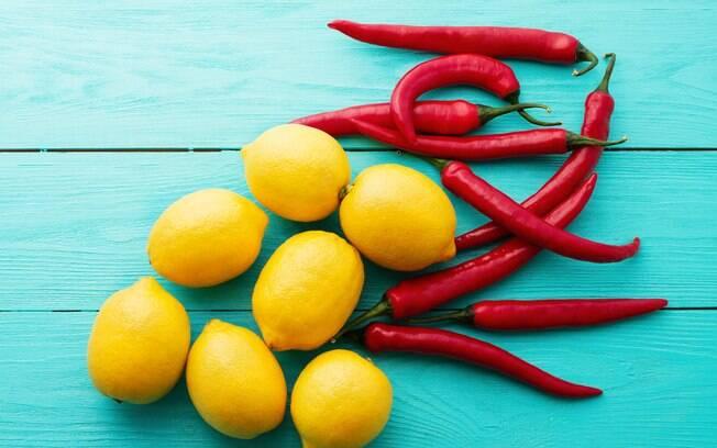 Dietas mais famosas no Google: já pensou em fazer longos jejuns e tomar apenas suco de limão com pimenta?