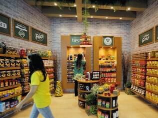 Menos.  Setor está prevendo cerca de 70 novas lojas no Estado em 2015