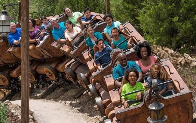 Atrações da Disney: Seven Dwarfs Mine Train é recomendado tanto para adultos quanto crianças; veja