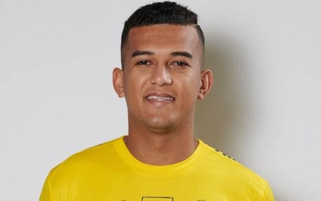 Rodrigo Dias marcou um golaço