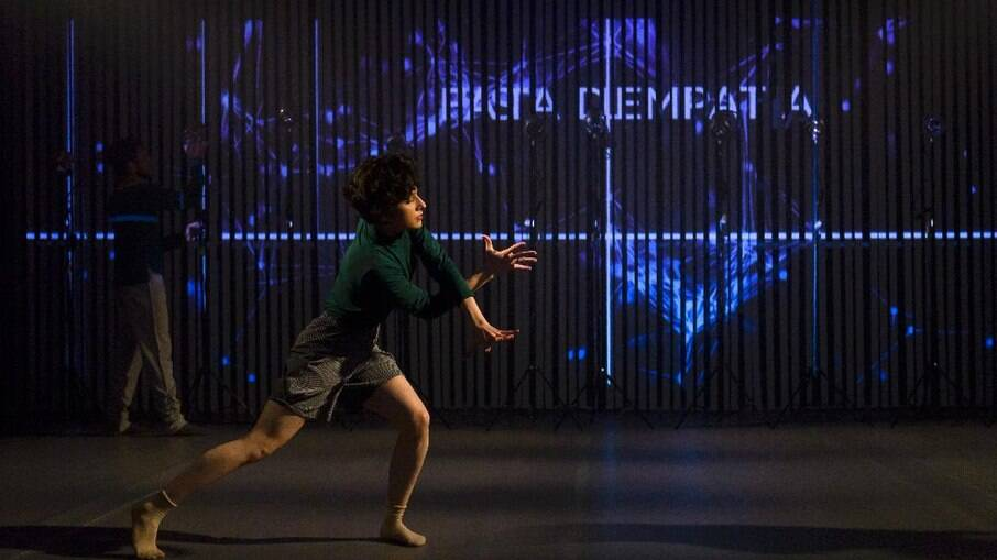 Grupo apresenta presencialmente em São Paulo espetáculo de dança ensaiado integralmente em home office.