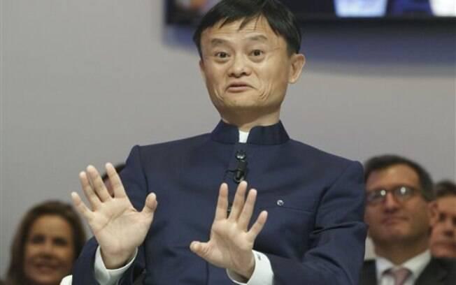 Crescendo na pobreza na China, Jack Ma chegou a ser reprovado ao tentar emprego numa lanchonete. Mas em 1995, ele descobriu na internet um jeito de virar o jogo. Dono da gigante de vendas online chinesa Alibaba, ele tem um patrimônio que vale US$ 27,8 bilhões . Foto: AP