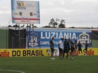 Estádio do Luziânia recebe daqui a pouco o confronto entre mineiros e goianos