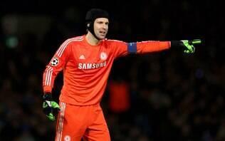 Goleiro Petr Cech anuncia aposentadoria dos gramados ao final da temporada