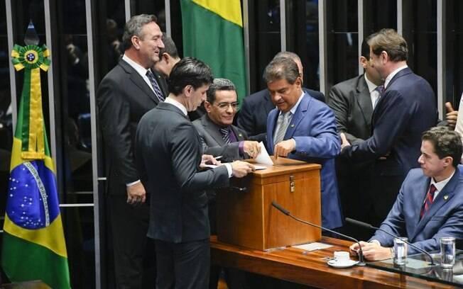Voto do senador Mecias de Jesus mostra cédula diferente do envelope usado na votação para presidente do Senado