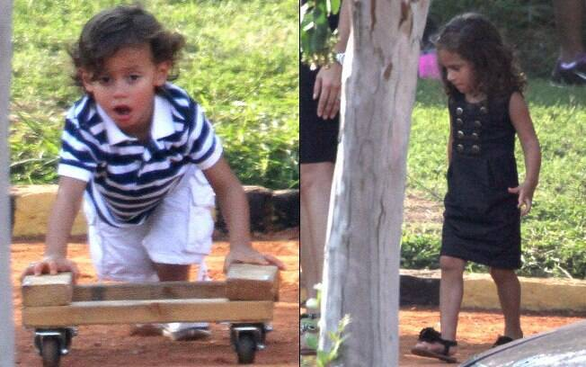 Os filhos de Jennifer Lopez, Max e Emme, brincam no set de filmagens