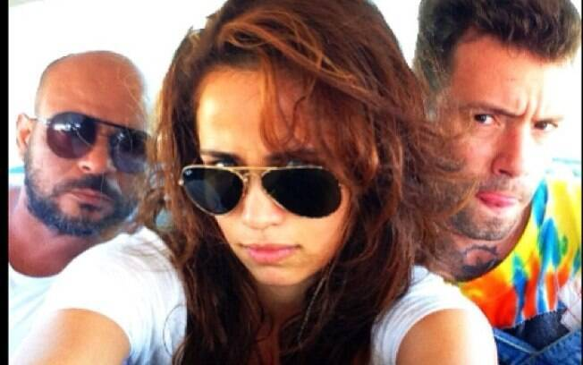 Nanda Costa mostra bastidores de viagem a Cuba, onde posou nua para a Playboy