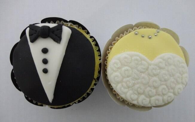 Cupcake 'vestido' de noivo e de noiva, uma criação da Doce Supreme