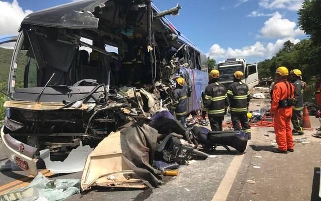 Acidente ocorreu na manhã de quinta-feira (15), por volta das 8h30, na BR-020, em Formosa, Goiás