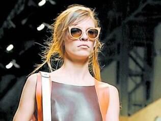 A Minibag foi um sucesso na semana de moda de Milão. Ela compõe o look de Primavera/Verão 2015.