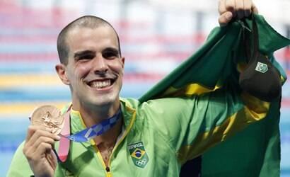 Bruno Fratus fatura medalha de bronze na prova dos 50m livre