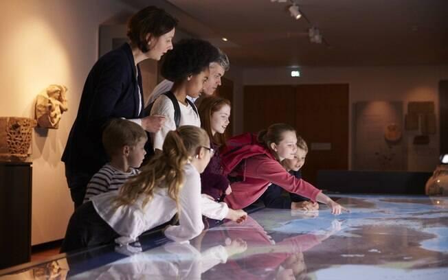 Os museus são uma fonte de conhecimento muito rica; escolha aqueles com exposições interativas