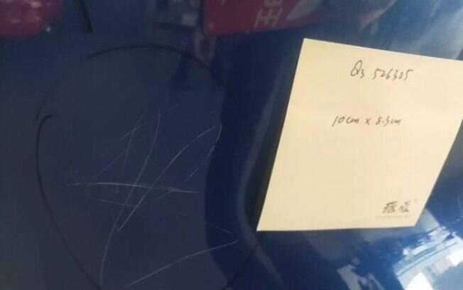 Menina rabiscou 'Audis' sem que os pais percebessem em concessionária
