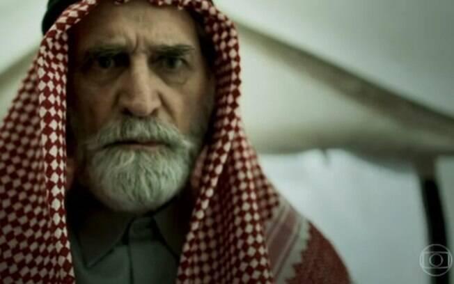 Aziz (Herson Capri)