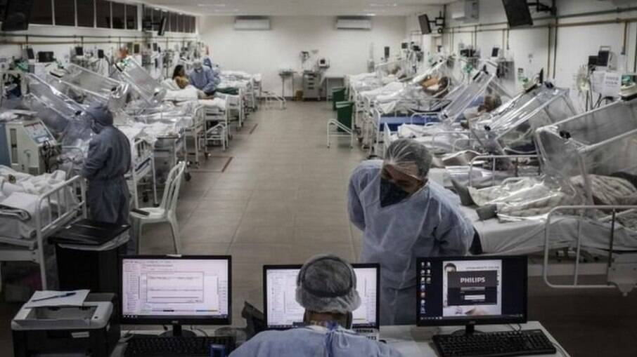 Brasil registrou menos de mil mortes por Covid-19 nesta segunda