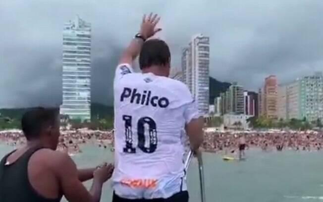 Bolsonaro promete gastar ainda mais em suas férias