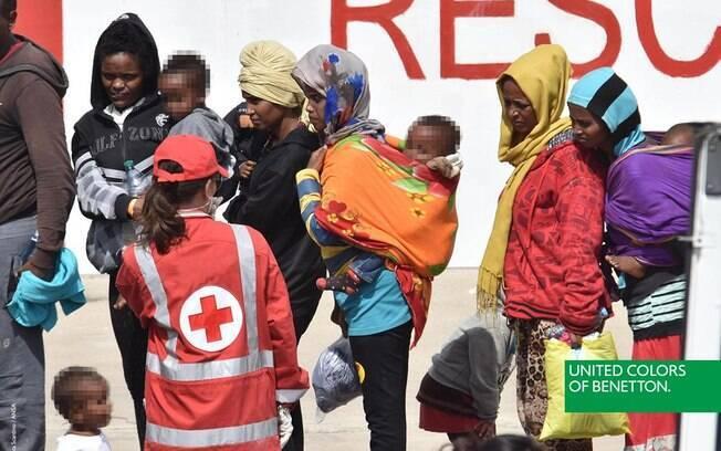 Imagens reais de migrantes foram utilizadas para estampar a campanha da grife italiana Benetton, em junho deste ano
