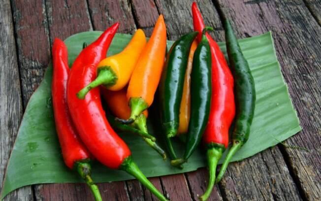 Pimenta está na lista dos alimentos que podem ajudar a queimar gordura e também faz parte dos termogênicos