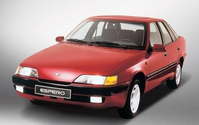 Com motor de Vectra e design da Bertone, o Daewoo Espero foi tão bem que figurou entre os 10 carros importados mais vendidos.