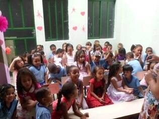 Crianças ficaram sem merenda após roubo na escola