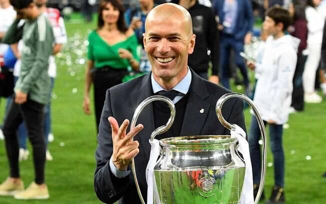 Zidane é o nome mais cotado para ser o novo técnico do Chelsea