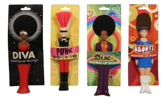 As esponjas da marca Paladone homenageiam estilos dos anos 70, como o punk e o disco