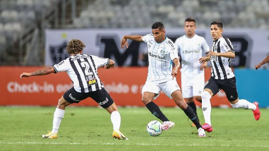 Grêmio e Atlético-MG se encontram em jogo decisivo pelo Brasileirão
