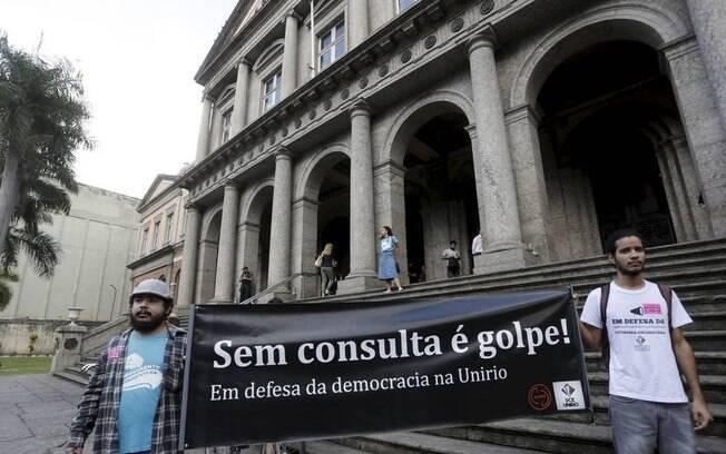 Em julho, posse do reitor da UNIRIO Ricardo Silva Cardoso teve protesto na entrada