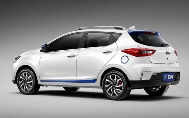 JAC iEV40 é a versão movida apenas a eletricidade do SUV T40 vendido no Brasil