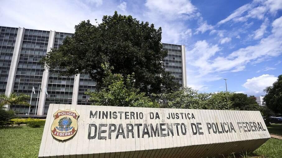 Polícia Federal deflagra operação para combater contrabando de migrantes
