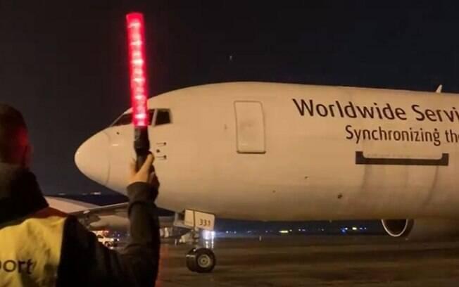 11º lote da vacina Pfizer chega no Aeroporto de Viracopos