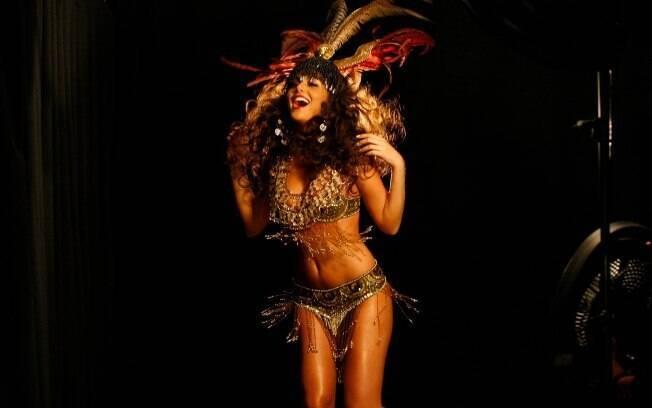 A Miss Universo 2010, Ximena Navarrete, foi a estrela do editorial clicado por Fadil Berisha e reuniu as 89 candidatas de 2011