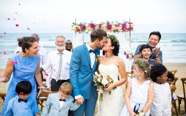 Entre os tipos de casamento, o 'destination wedding' está entre os mais caros, já o 'mini wedding' pode ser econômico