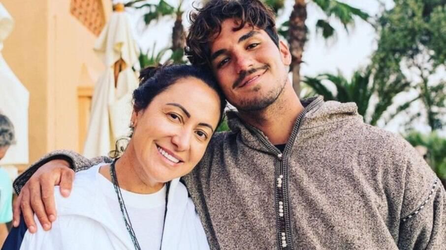 Medina e a mãe cortaram relações