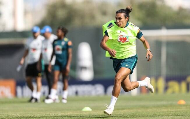 Marta se machucou e pode perder a estreia da Copa do Mundo