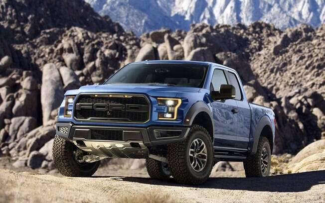 A gigantesca e potente Ford F-150 Raptor estará no Salão do Automóvel, com seus absurdos 456 cv e 70,5 kgfm de torque. Pena que não será vendida por aqui.