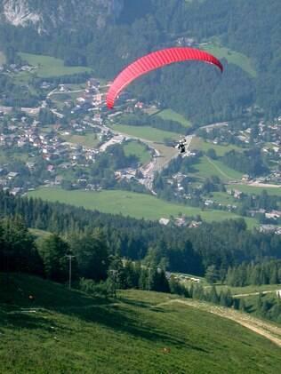 Com aventura nas veias, as mães de Sagitário vão amar um salto de paraquedas como presente