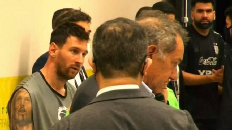 Jogo entre Brasil e Argentina foi interrompido no último domingo