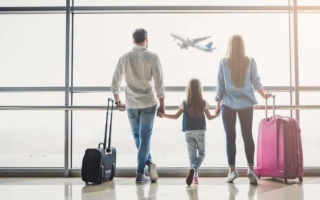Os preços das passagens de avião costumam variar, mas sempre há promoções para quem deixa para comprar em dezembro e, para o especialista, é necessário ficar atento aos sites de comparação de passagens para ver as promoções