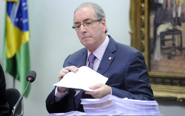 Eduardo Cunha é investigado na Lava Jato por lavagem de dinheiro e evasão de divisas